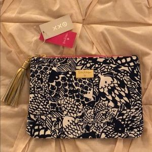 MAKE AN OFFER | Lilly for Target Upstream Clutch